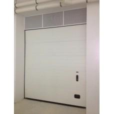 Insulated overhead sectional door